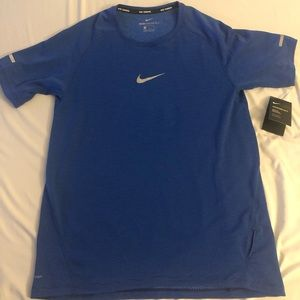 Men's Nike Running Shirt Size Medium